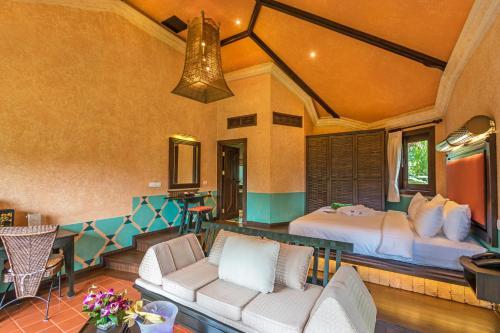 A seating area at Mangosteen Ayurveda & Wellness Resort - SHA Plus