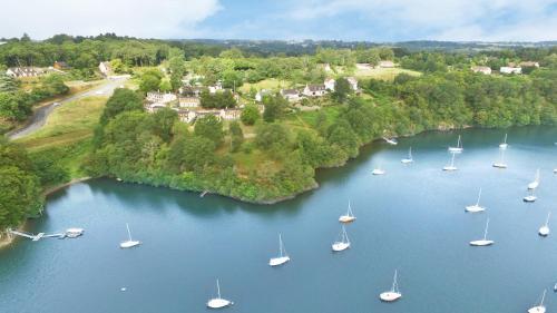 A bird's-eye view of VVF Villages « Les Bords du Lac » Éguzon