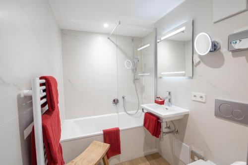Ein Badezimmer in der Unterkunft Hotel Garni Jägerhof