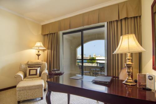 Zona de estar de Grand Hotel Excelsior