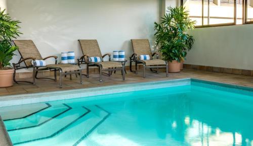 The swimming pool at or near Hilton San Francisco Airport Bayfront
