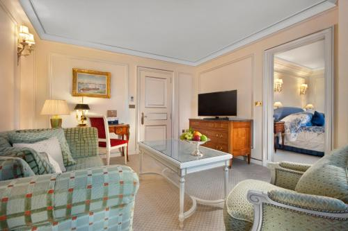 A seating area at The Ritz London