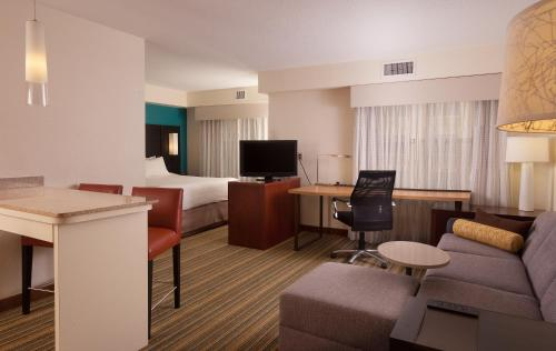 A seating area at Residence Inn Orlando Convention Center