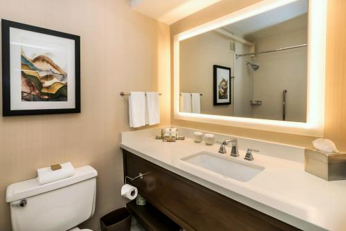 A bathroom at DoubleTree by Hilton Spokane City Center