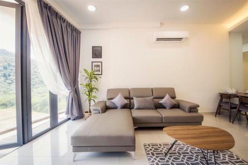 A seating area at Arte S Suite 3房式度假公寓套房