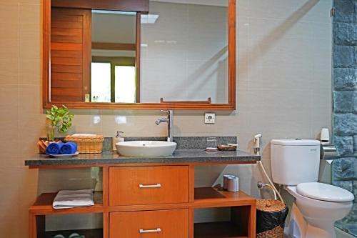 A bathroom at Lebak Bali Residence