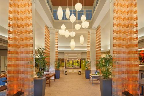 The lobby or reception area at Hilton Garden Inn Danbury