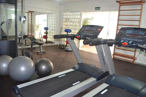 The fitness center and/or fitness facilities at Smart Hotel