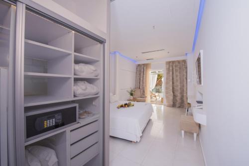 Cuisine ou kitchenette dans l'établissement Aegialis Hotel & Spa
