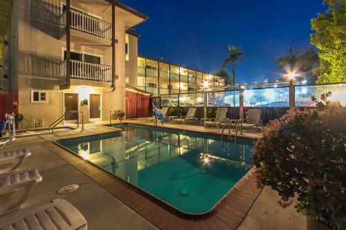 The swimming pool at or close to Avania Inn of Santa Barbara