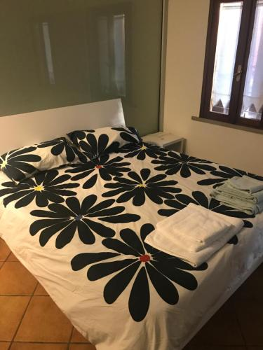 A bed or beds in a room at Appartamento Da Giovy