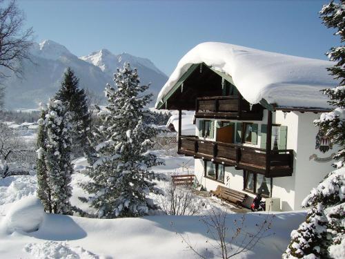 Pension Haus Schöneck im Winter