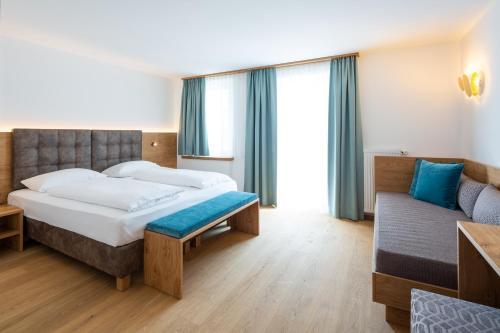 Hotel Blitzburg Brunico, Italy