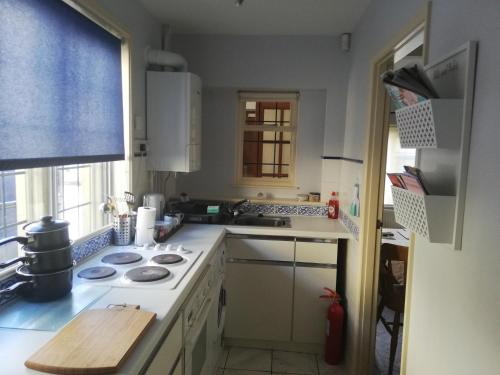 A kitchen or kitchenette at Troy House