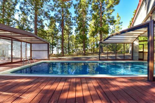 Het zwembad bij of vlak bij Hotel Spa Villalba