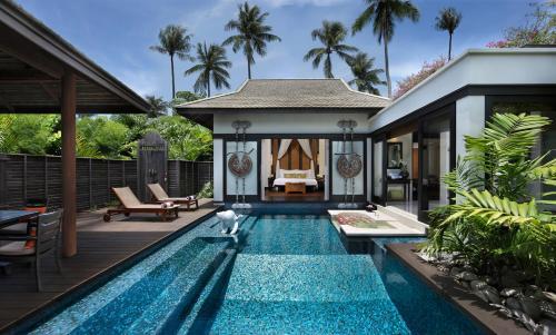 Бассейн в Anantara Mai Khao Phuket Villas - SHA Certified или поблизости
