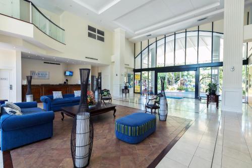 The lobby or reception area at Mantra Esplanade