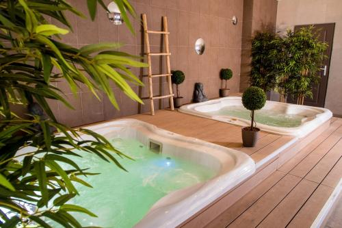 The swimming pool at or near Hotel Arene Sure Hotel Collection by Best Western