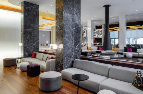 The lounge or bar area at Makedonia Palace