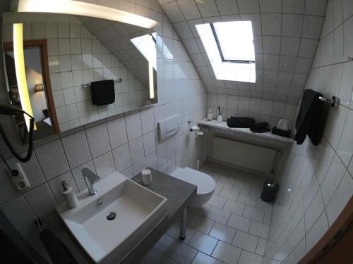 Ein Badezimmer in der Unterkunft Hotel Landgasthaus Schäferhof