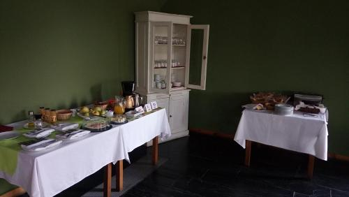 A restaurant or other place to eat at Gran Hotel Pandorado