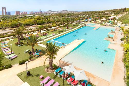 A view of the pool at Grand Luxor Hotel - Aqualandia & Mundomar Included or nearby
