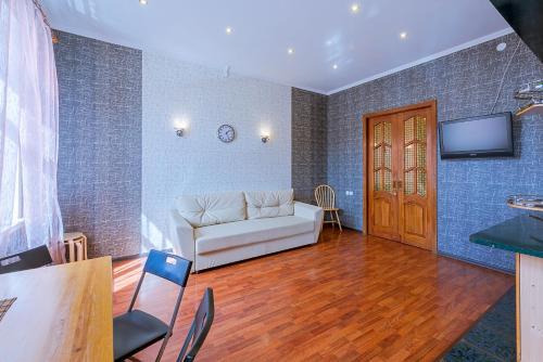 Гостиная зона в Apartment on Efimova 1- 4