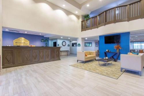 The lobby or reception area at Wingate by Wyndham Indianapolis Airport Plainfield