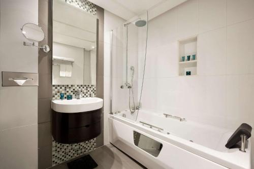 Ванная комната в Wyndham Garden Manama