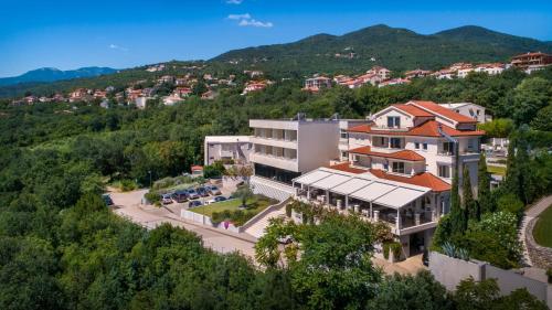 ホテル ヴィラ カペタノヴィクの鳥瞰図