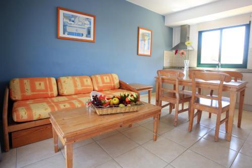 Een zitgedeelte bij Labranda Aloe Club