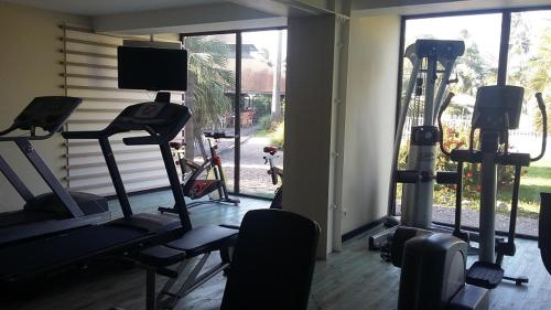The fitness center and/or fitness facilities at Grand Hotel Montabo