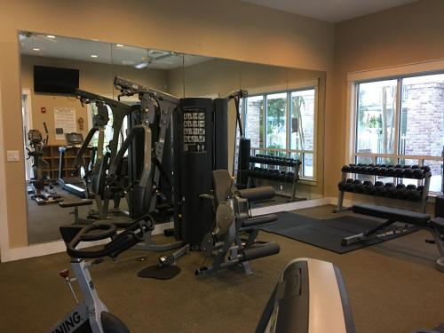 The fitness center and/or fitness facilities at Resort Getaway