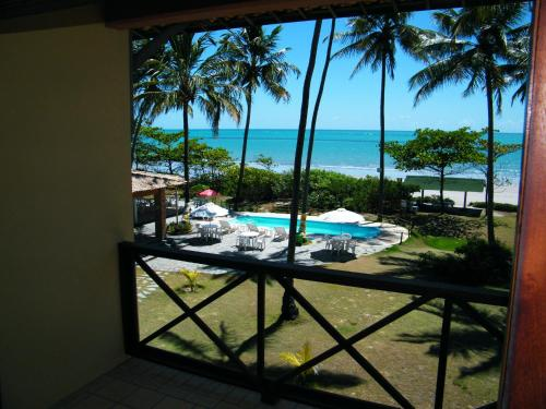 A view of the pool at Igarakuê Hotel Pousada or nearby