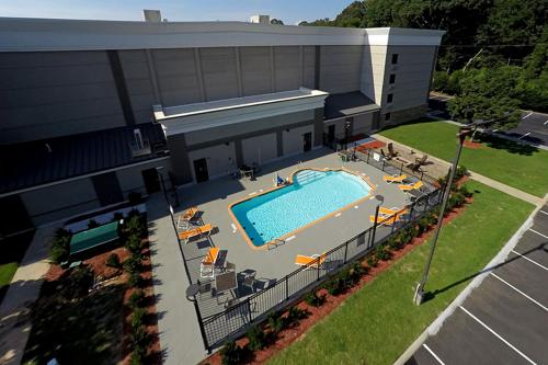 A view of the pool at Best Western Plus University Inn & Conference Center or nearby