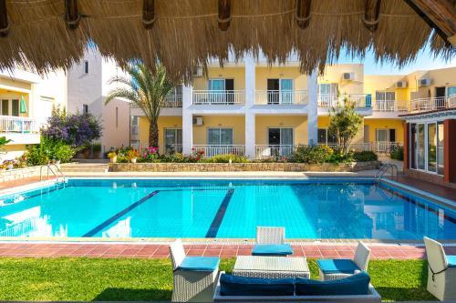 Πισίνα στο ή κοντά στο Evelin Hotel