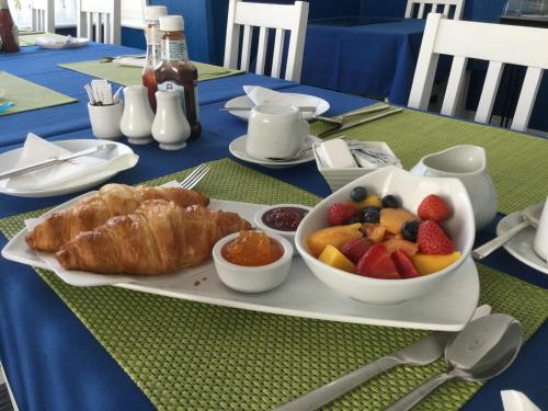 Breakfast options available to guests at The St. Leonards Guest House