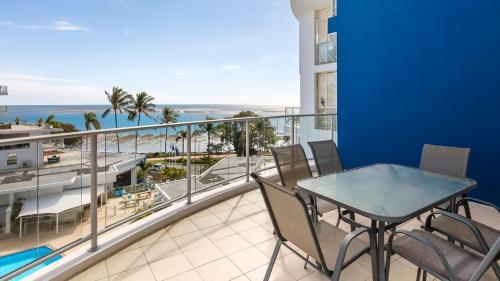 A balcony or terrace at Oaks Hervey Bay Resort and Spa