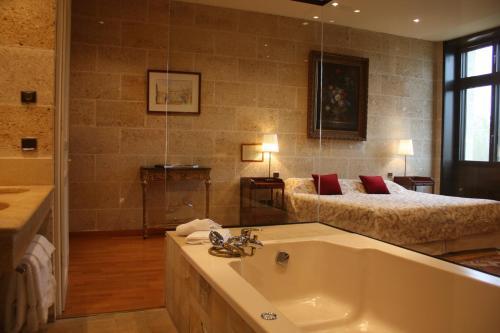 A bathroom at Chateau Camiac