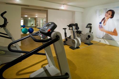 Das Fitnesscenter und/oder die Fitnesseinrichtungen in der Unterkunft Hotel Residence Starnberger See