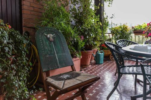 A porch or other outdoor area at La Terrazza Sul Po