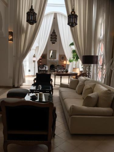 Гостиная зона в Riad des Golfs