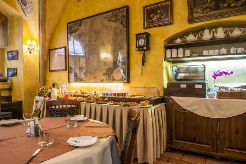 A restaurant or other place to eat at Hotel Cerny Slon