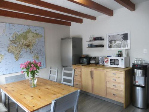 A kitchen or kitchenette at At Wits End B&B