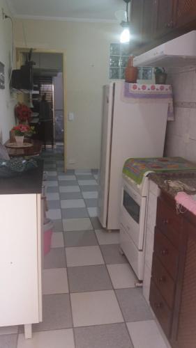 A cozinha ou cozinha compacta de Flat Ubatuba Praia do Tenório
