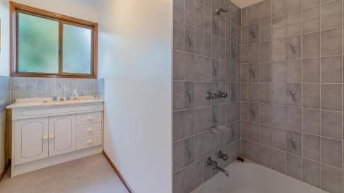 A bathroom at PESCARINA - FREE WIFI