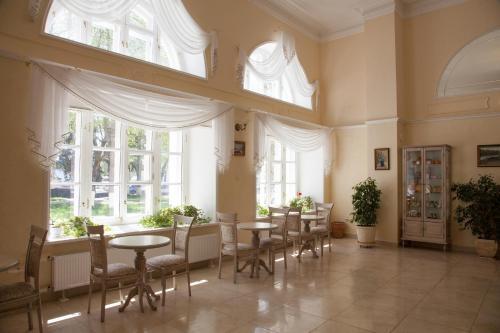 Ресторан / где поесть в Старая Гостиница Лавры