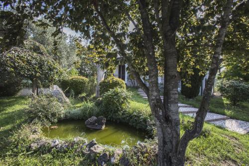 Giardino di Villa Berra - Via Postale 63/A