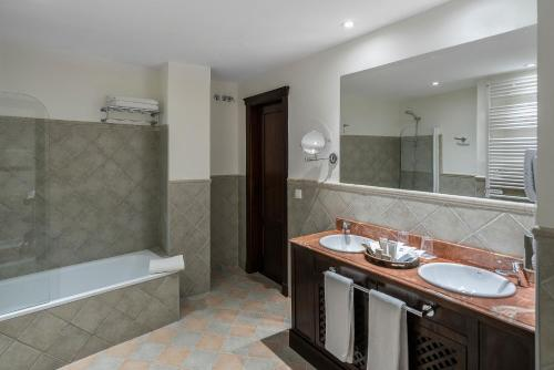 Un baño de Vincci La Rabida