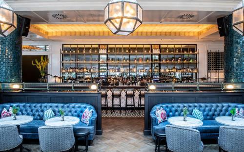 Salon ou bar de l'établissement The River Lee Hotel a member of The Doyle Collection
